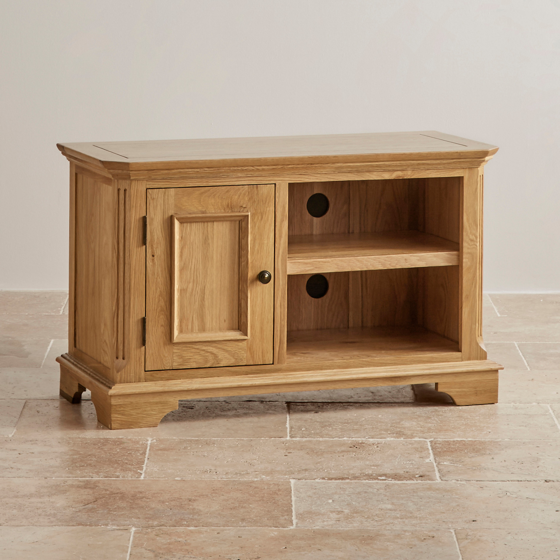 edinburgh natural solid oak small tv cabinet. Black Bedroom Furniture Sets. Home Design Ideas