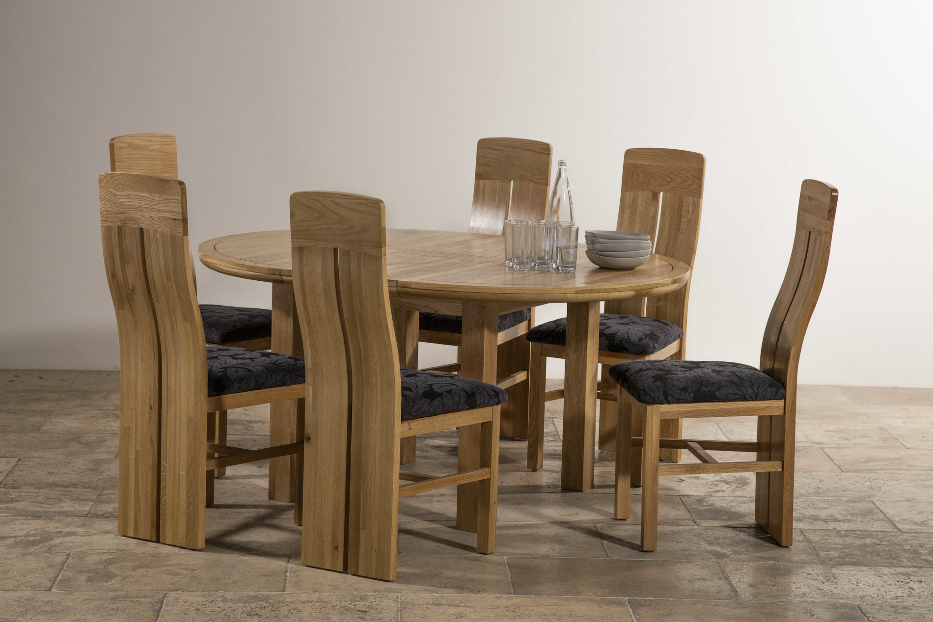 Knightbridge 5ft 3 natural solid oak round extending - Natural oak dining table and chairs ...